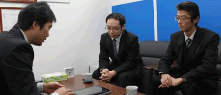 右から;高橋氏、渡部氏(※左は弊社金山)